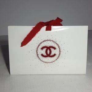 CHANEL Holiday Gift Bag